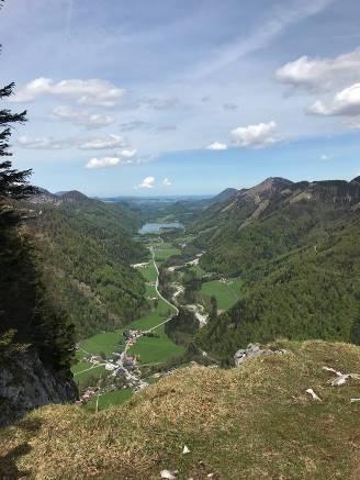 Traumhafter Ausblick vom Gipfelkreuz