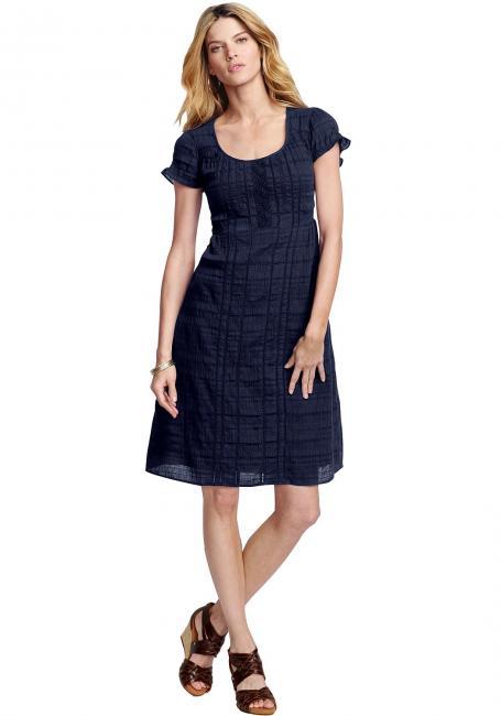Kleid mit Häkelbesatz