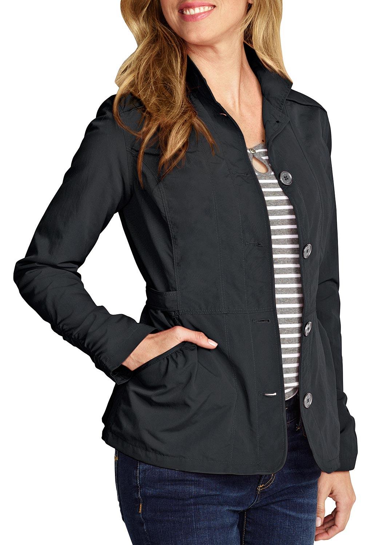 Artikel klicken und genauer betrachten! - Diese atmungsaktive Jacke kombiniert Bequemlichkeit und Komfort mit einem tollen Look für jeden Tag. Dank der StormRepel® Ausrüstung ist sie dauerhaft wasserabweisend. Teilungsnähte vorn und hinten sowie verstellbare Riegel in der Taille sorgen für eine schöne Passform. Zwei Eingrifftaschen vorn und eine Reißverschlusstasche innen. Mit schönen Raffungen an den Taschen, Ärmeln und im Rückenteil. Mit angenehmem Mesh-Futter im Rumpf und Eddie Bauer-Stickerei am Ärmel.   im Online Shop kaufen